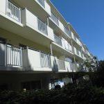 JR「平塚」駅から平坦に約15分。平塚ビーチまでも150mのお住いです。(外観)