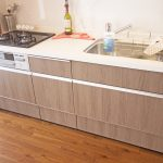 木目調のシステムキッチンに新規交換済み(キッチン)