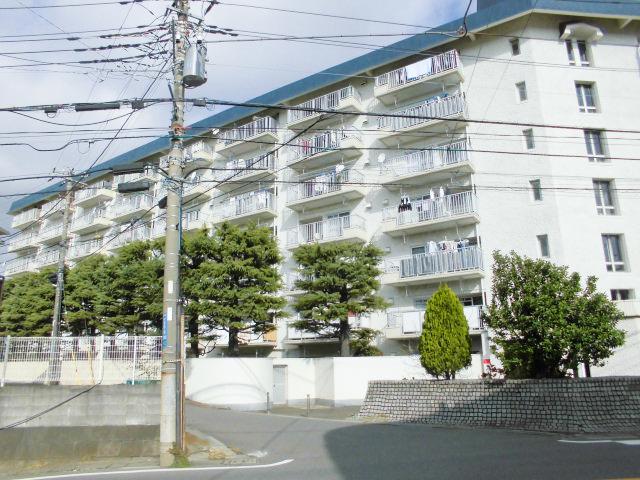 横浜市営地下ブルーライン片倉町より徒歩8分!(外観)