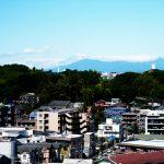 最上階のお部屋でかなり見晴らしが良いです!少し遠いですがお天気がいい日には富士山も見えます!
