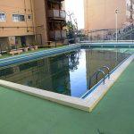 敷地内には共用のプールがあります